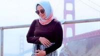 <p>Sheza Idris dan suami, Surya Ibrahim, kini tinggal di Amerika Serikat. Dia bilang sih, happy banget pada kehamilan 23 minggunya. (Foto: Instagram @shezaidris)<br /><br /></p>