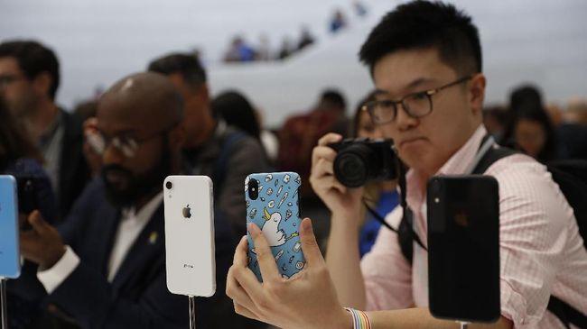 Apple menitikberatkan salah satu pembaruan ketiga iPhone terbarunya di lini kamera.