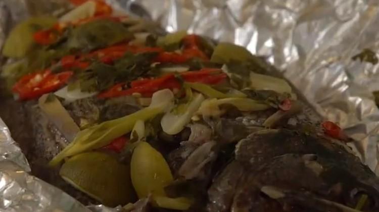 Ada resep olahan ikan kerapu nih, Bun, yaitu steam ikan kerapu daun ketumbar. Ini bisa jadi menu masakan yang sehat buat ibu hamil lho.