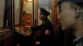Jangan pikir Korea Utara merupakan negara yang terbelakang, karena layanan keretanya cukup mumpuni.