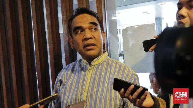 Gerindra tidak meminta para caleg eks koruptor untuk mengundurkan diri sebab dikatakan selama proses seleksi menggunakan menggunakan asa praduga tak bersalah.