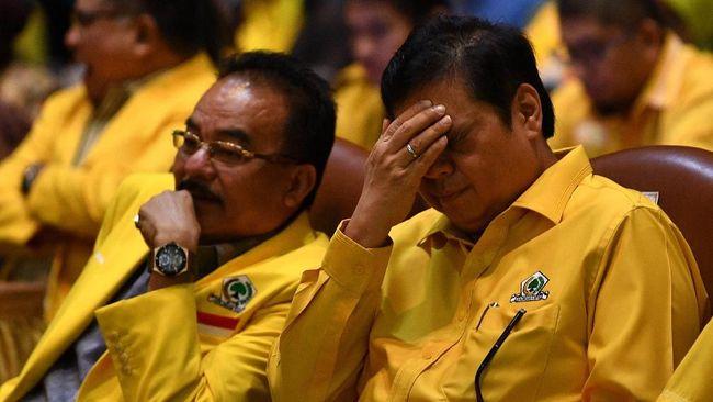 Bendahara Umum Golkar Robert Kardinal menyebut Airlangga Hartarto gagal menjadi ketua umum karena suara partainya menurun di Pemilu 2019.