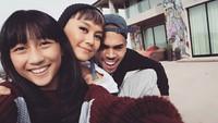 <p>Agnez nggak segan mengajak keponakannya 'nongkrong' bareng temannya, Chris Brown. (Foto: Instagram/agnezmo)</p>