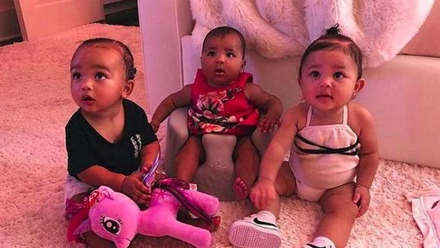 Gemas Maksimal Lihat Anak Kim Kardashian Foto Bareng Sepupunya