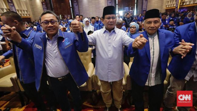 Sekjen PAN Eddy Soeparno mengatakan sejumlah caleg di beberapa daerah keberatan mengampanyekan Prabowo Subianto sebagai calon presiden.
