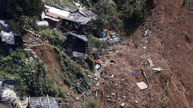 Badai tropis Usman menerjang Filipina beberapa hari setelah Natal. Korban yang tewas kebanyakan yang enggan dievakuasi.