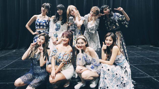 Girlband asal Korea Selatan, Twice, telah mencatat rekor baru di YouTube.