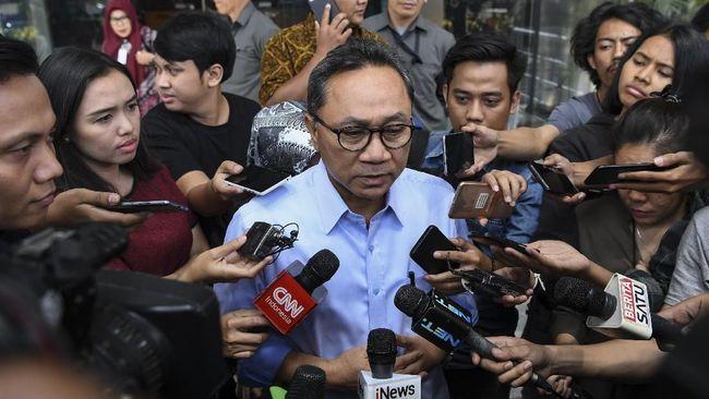Ketua MPR, Zulkifli Hasan, siap menjadi jaminan untuk penangguhan penahanan terdakwa kasus pencemaran nama baik lewat ujaran 'idiot', Ahmad Dhani Prasetyo.