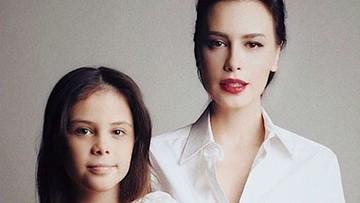 10 Potret Si Cantik Manuella, 'Fotokopian' Sophia Latjuba