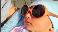 <p>Lagi berjemur, keren kan gayaku, Bun? Foto: Instagram @babymargaretha1)</p>
