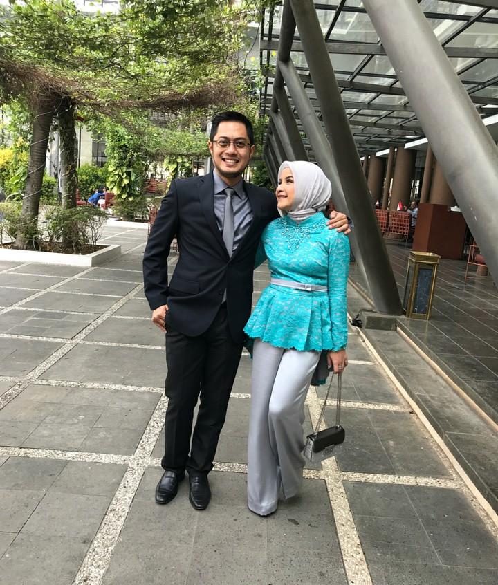 Keluarga kakak Zaskia Mecca, Tasya Nur Medina punya gaya seru lho ketika menghabiskan waktu bersama sang suami, Ferry Ardianysah dan anak semata wayang mereka.