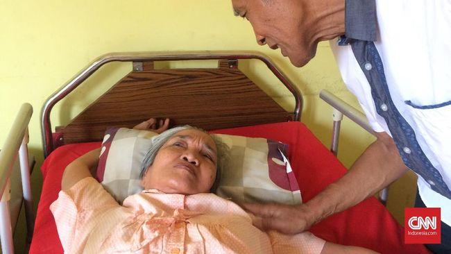 Pada situasi normal, penderita alzheimer dan caregiver telah dihadapkan pada pelbagai tantangan penyakit perenggut ingatan ini. Terlebih kini, ditambah pandemi.