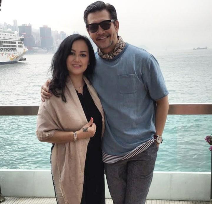 Ferry Salim dan keluarganya seakan nggak pernah 'mati gaya'. Intip bareng gaya kompak nan kece Ferry sekeluarga yuk.