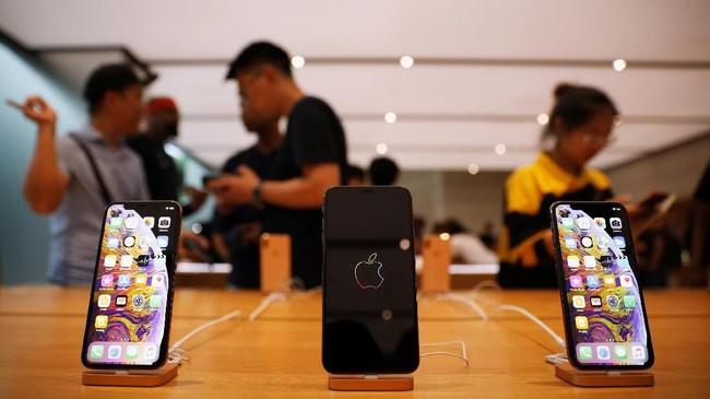 Apple secara resmi mulai menjual iPhone XS dan XS serta Apple Watch 4 di 30 negara. Antrian fanboy di beberapa negara mewarnai kemunculan iPhone baru.