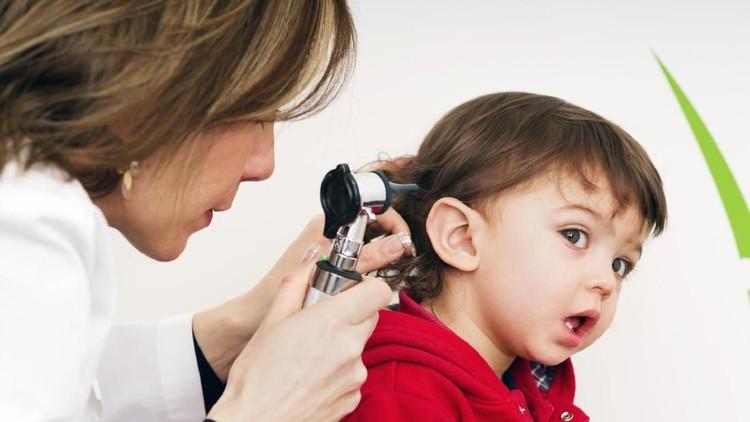 Telinga-hidung-tenggorokan seringkali diabaikan jika anak dirasa tidak ada masalah, padahal penting lho ajak anak rutin memeriksakannya walaupun tidak sakit.