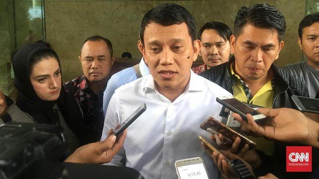 Tim Kampanye Nasional Jokowi-Ma'ruf Amin meminta masyarakat tak lagi meributkan joget poco-poco Prabowo di malam Natal. TKN menilai aksi Prabowo itu wajar.