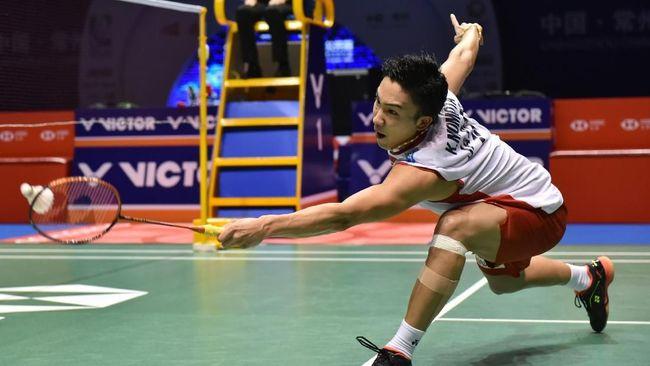 Pebulutangkis Jepang, Kento Momota, sempat bertanya soal masa depan karier di ajang badminton setelah kecelakaan mobil di Malaysia.