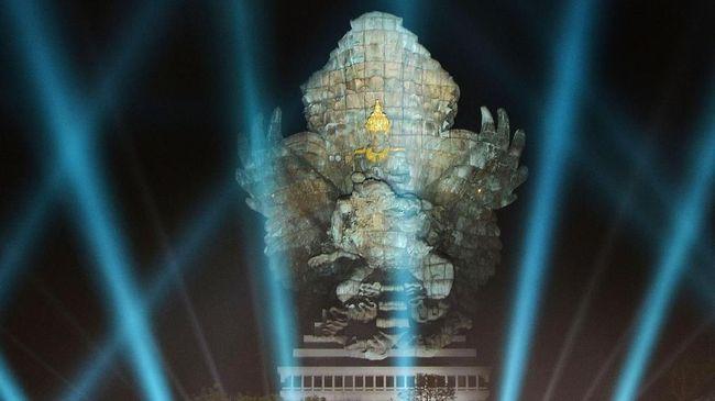 Perpaduan seni dan teknologi pada Patung GWK diapresiasi Presiden Jokowi. Dia mengatakan patung tertinggi ketiga di dunia itu tetap bertahan seabad lagi.