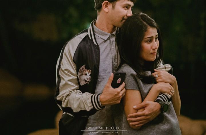 Raut bahagia terpancar di wajah presenter Tarra Budiman sejak menikah dengan Gya Sadiqah di tahun 2017. Yuk intip lebih banyak ekspresi bahagia pasangan ini.