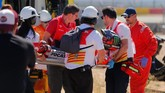 Marc Marquez dan Jorge Lorenzo terlibat insiden yang membuat nama terakhir mengalami kecelakaan dan cedera di awal balapan MotoGP Aragon 2018.