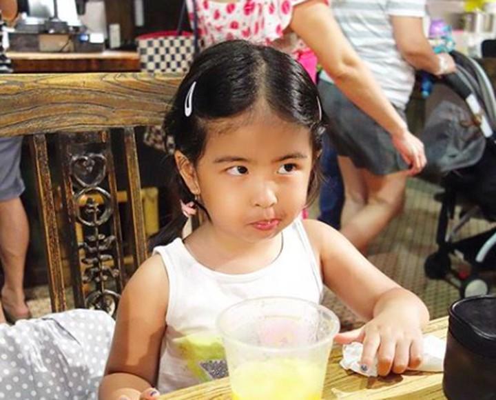 Ini Eleanor Reguna Bukit, Bun. Gadis kecil lucu nan menggemaskan ini putri pertama vokasil eks 'Samson', Bams.