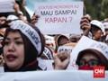 DPR Usul Tenaga Honorer Diangkat Jadi PNS Langsung