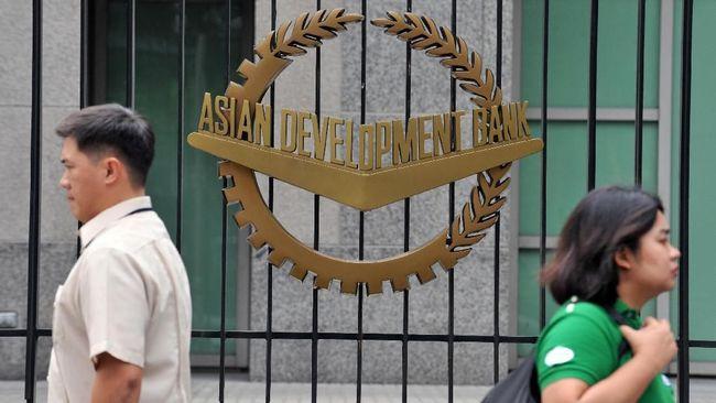 Bank Pembangunan Asia (ADB) meningkatkan target pembiayaan untuk adaptasi dan mitigasi perubahan iklim senilai US$20 miliar dalam satu dekade ke depan.