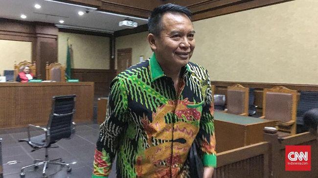 Politikus PDIP Tb Hasanuddin mengakui mempertemukan mantan staf khusus Bakamla Ali Fahmi Habsyi dengan politikus Partai Golkar Fayakhun Andriadi.