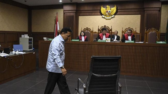 Nama Setya Novanto muncul dalam dakwaan Eni Saragih, bahwa mantan Ketua DPR itu bakal mendapat jatah US$6 juta jika proyek PLTU Riau-1 berjalan.