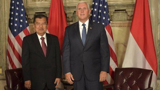 Wapres Jusuf Kalla membahas peningkatan kerja sama ekonomi antara Indonesia dan AS ketika bertemu dengan Wapres Mike Pence di sela sidang Majelis Umum PBB.