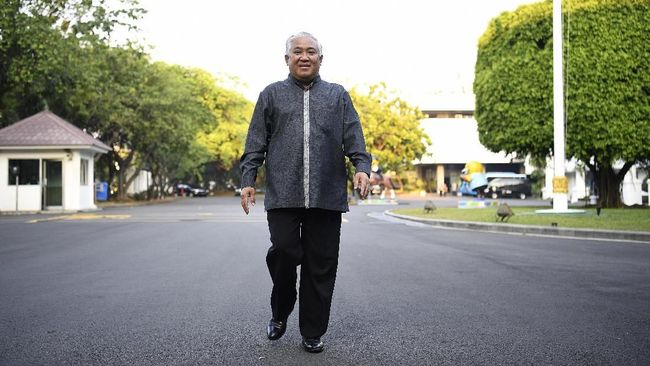 GAR-ITB menyatakan Din Syamsuddin selaku abdi negara tak sepatutnya bersikap konfrontatif dengan melancarkan beragam serangan kritik terhadap pemerintah.