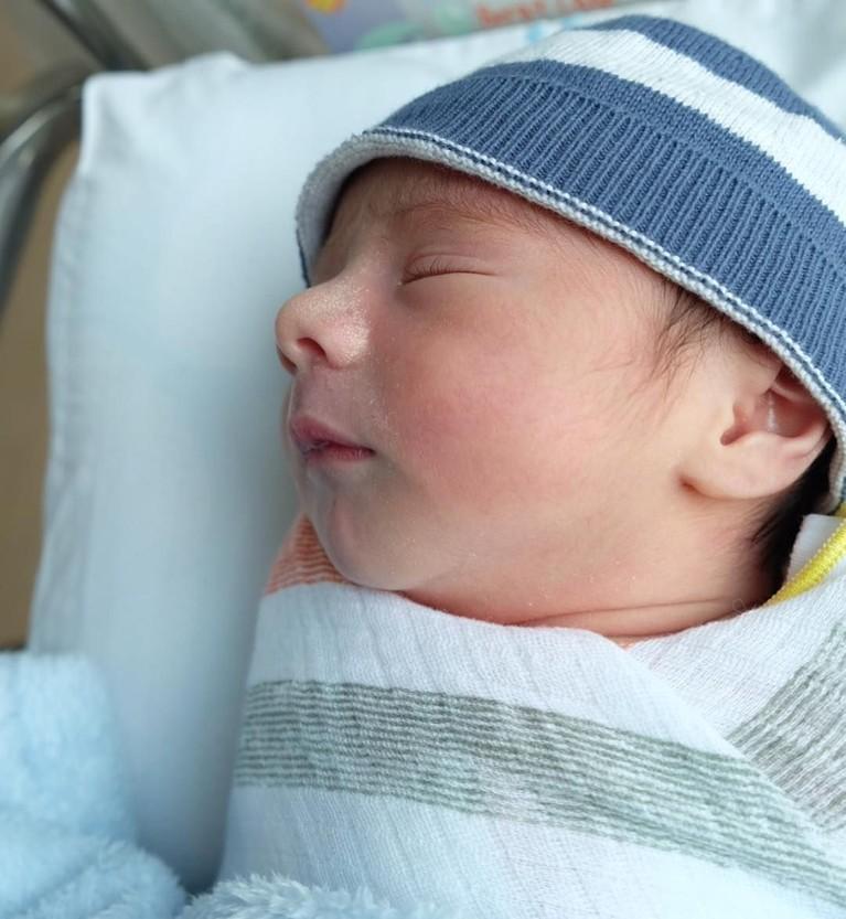 Carissa Puteri telah melahirkan anak keduanya yang berjenis kelamin laki-laki. Bayi itu diberi nama Zanecka Acana Naif.