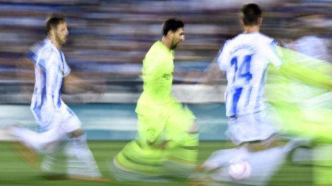 Sedikitnya ada tiga bintang Barcelona yang dianggap punya telepati dengan Lionel Messi untuk membongkar pertahanan lawan di lapangan.