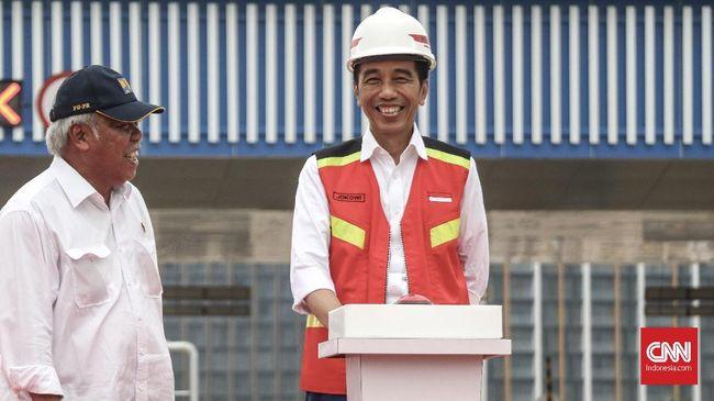 Tol Sragen-Ngawi sepanjang 50,8 km dengan tarif Rp1.000 per km rencananya akan diresmikan Jokowi dan beroperasi mulai pekan ini.