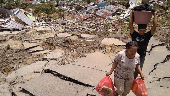 Ahli gizi Fakultas Kedokteran Universitas Indonesia dr. Ari Fachrial Syam mengatakan mi instan menjadi sumber kali paling praktis untuk membantu korban bencana.