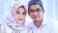 <p>Meski sudah 7 tahun menikah dan dikaruniai 4 anak, Pasha dan Adel masih tetap romantis lho. (Foto: Instagram/pashaungu_vm)</p>