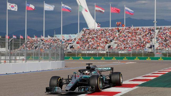 Lewis Hamilton berhasil meraih kemenangan di F1 GP Rusia mengalahkan rival terberatnya, Sebastian Vettel, Minggu (30/9).