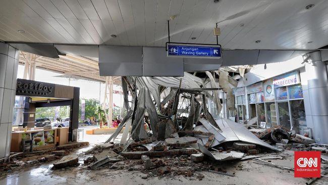 Bandara Mutiara Sis Al Jufri di Kota Palu yang rusak akibat gempa saat ini sudah melayani penerbangan komersial kendati masih terbatas.