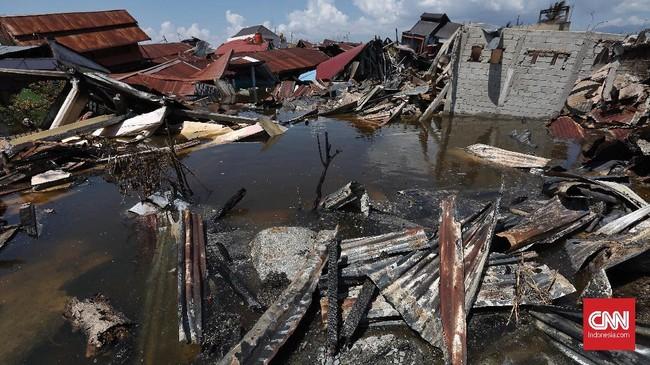 Perumnas Balaroa menjadi salah satu titik terparah akibat gempa 7,4 SR yang mengguncang kota Palu. Sekitar 900 rumah amblas karena likuifaksi.