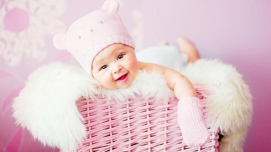 35 Nama Bayi Perempuan yang Cocok Diberikan untuk Anak Pertama