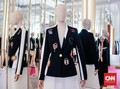 Schiaparelli: Kolaborasi Mode, Seni, dan Kekayaan Detail