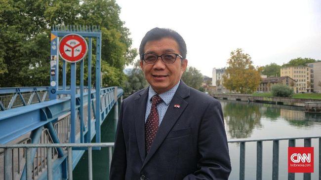 Muliaman yang kini menjabat Duta Besar Indonesia untuk Swiss diperiksa sebagai saksi perkara dugaan korupsi Bank Century.