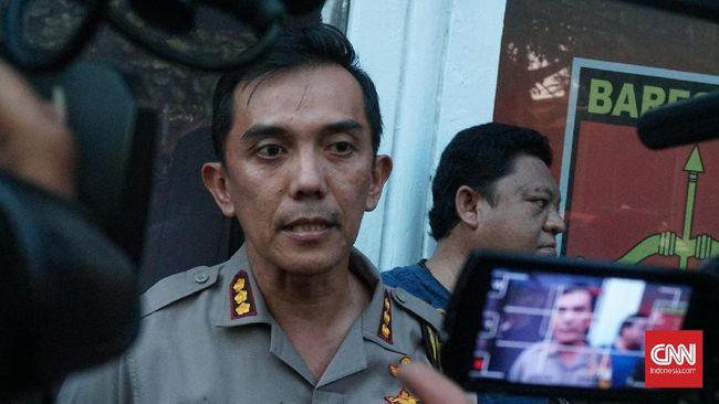 Polrestabes Bandung melepas ratusan pemuda yang ditangkap terkait perusakan saat May Day, namun tetap memeriksa tiga orang lainnya terkait motif vandalisme itu.