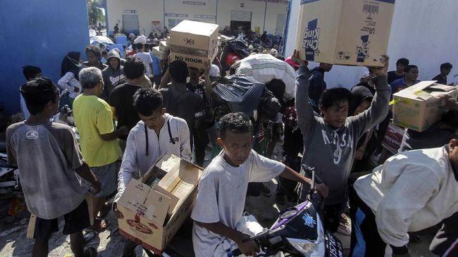 Pengawasan logistik dalam situasi bencana dinilai tak boleh lepas dari penanganan aparat. Penyaluran bantuan selalu berpacu dengan kebutuhan dasar warga.
