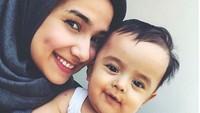 <p>Kalau dilihat dari foto-fotonya, Baby Z camera-ready banget ya? (Foto: Instagram @sonyafatmala)</p>