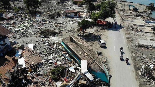 Pemerintahan di Sulteng disebut mulai berjalan sekitar sepuluh hari pascagempa dan tsunami Palu, salah satu indikasinya, pelayanan administrasi sudah berjalan.
