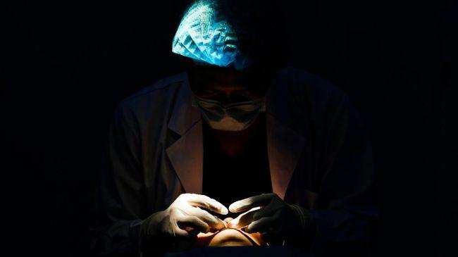 Operasi mengembalikan keperawanan tengah marak di Inggris. Jumlahnya bahkan bisa meningkat empat kali lipat dari jumlah enam tahun lalu.