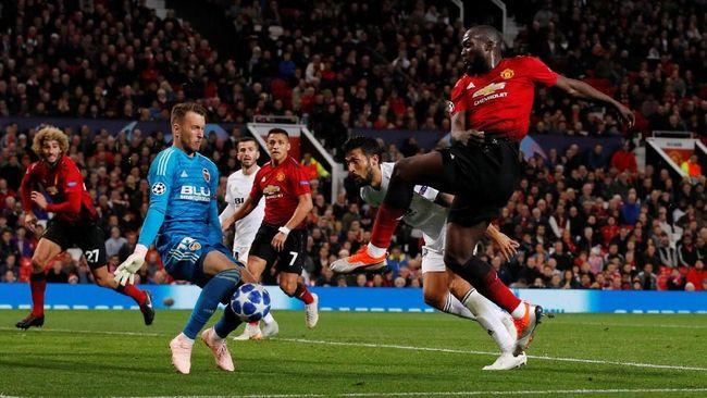 Duel antara Manchester United melawan Valencia akan tersaji dalam gelaran Liga Champions Grup H pekan keenam di Stadion Mestalla, Kamis (12/12) dini hari WIB.