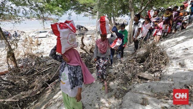 Dua kecamatan Donggala, yakni Sirenja dan Balaesang, belum tersentuh bantuan sembako dan pendataan korban hingga kini.