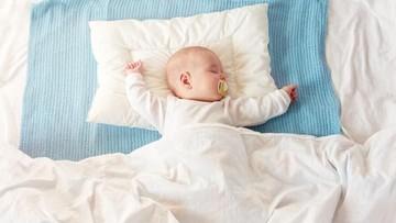 7 Alasan Bayi Terbangun di Malam Hari